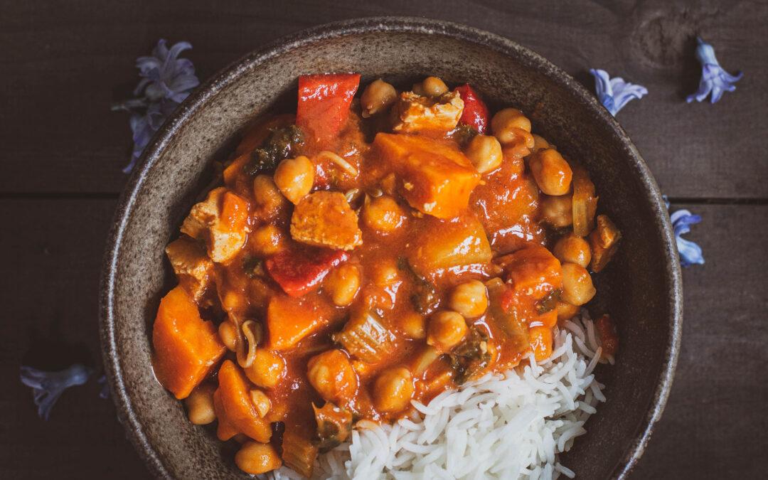 Wegetariańskie curry z warzyw korzeniowych
